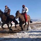 Конные скачки посвященные празднику Сагаалха