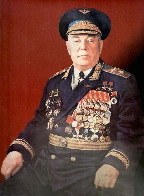 Александр Иванович Покрышкин - маршал авиации