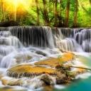 kanchanaburi-tailand-vodopad-kaskad-c4gb