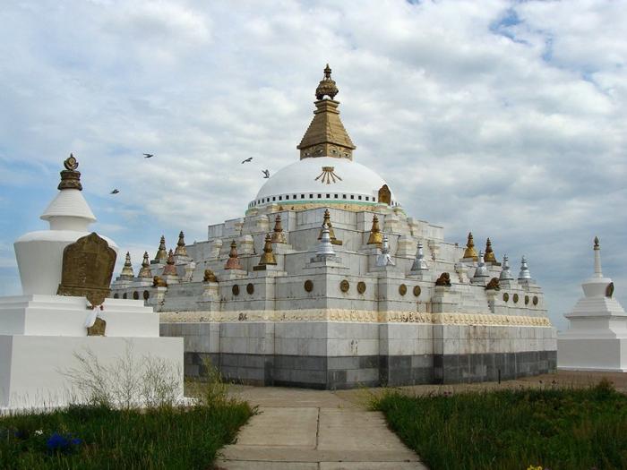 Буддийская Ступа Джарун Хашор в Кижингинском районе